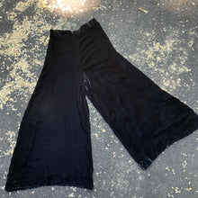 Load image into Gallery viewer, 1940s Black Velvet Palazzo Pants