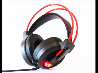 Speed titanium V9 gaming headset headset Internet cafes Internet cafes headset subwoofer U single wire headset headset PC7.1