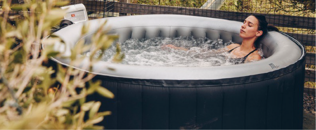 Hot tubs / Jacuzzis / Piscina inflable