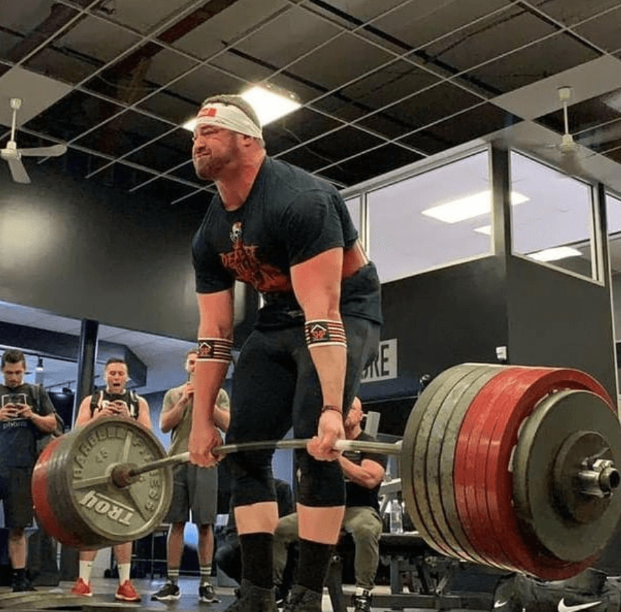 American Sets New Deadlift Record Of 428kg At 140kg Bodyweight