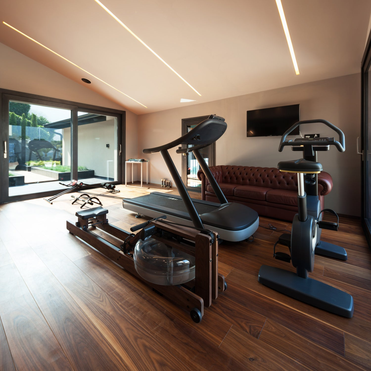 4 Tips For Setting Up A Home Gym In Your Garage