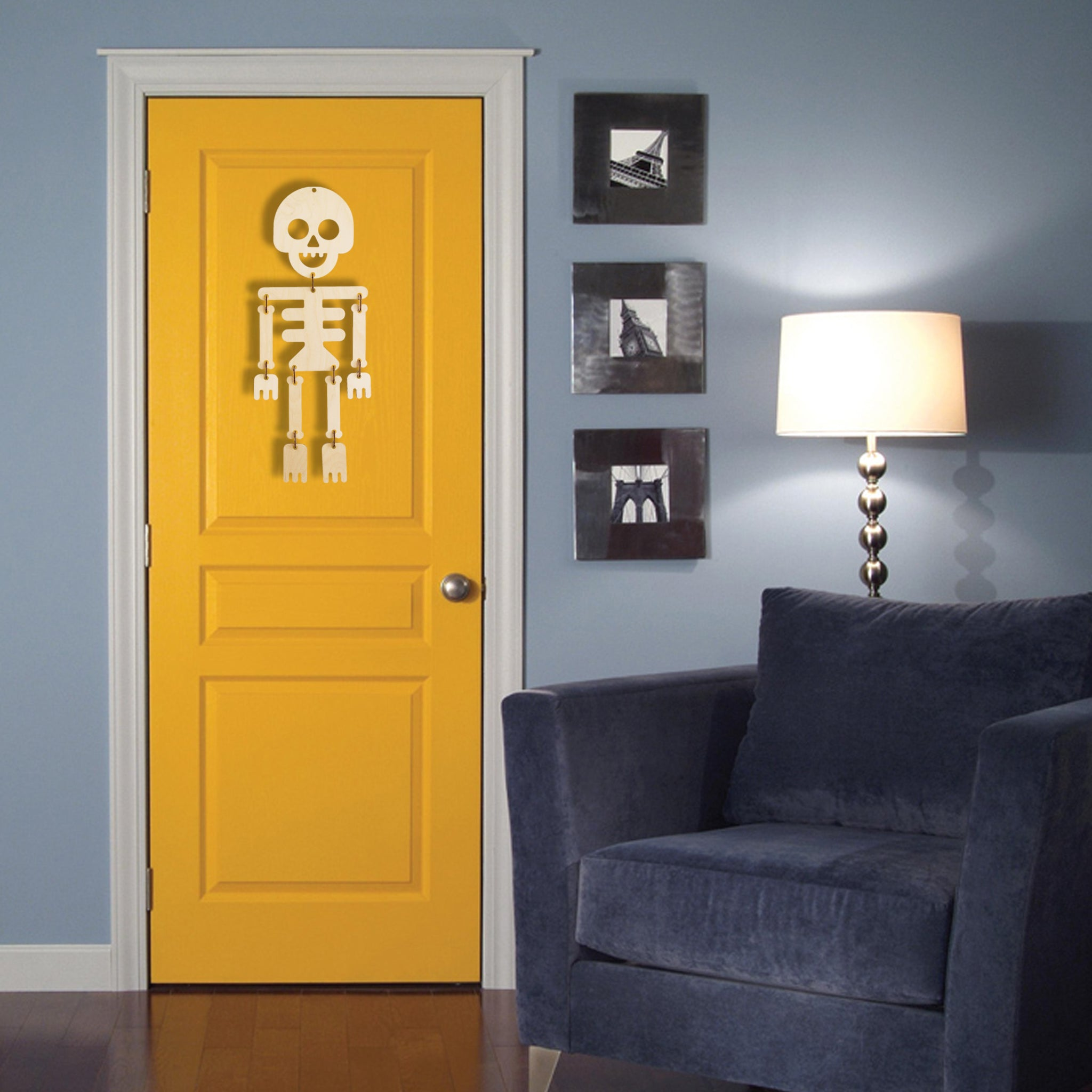 holiday wall decor - hanging skeleton