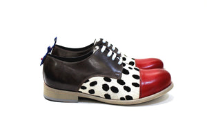Bari is a shoe for fearless and modern men, with a lot of personality, adapting to various styles. Walk with Pintta