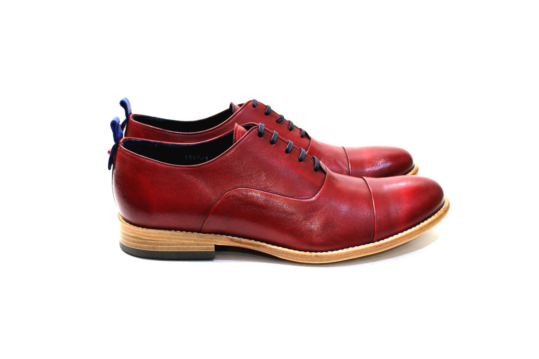 Marrakesh is a modern classic shoe with lots of personality, adapting to many styles. Walk with Pintta