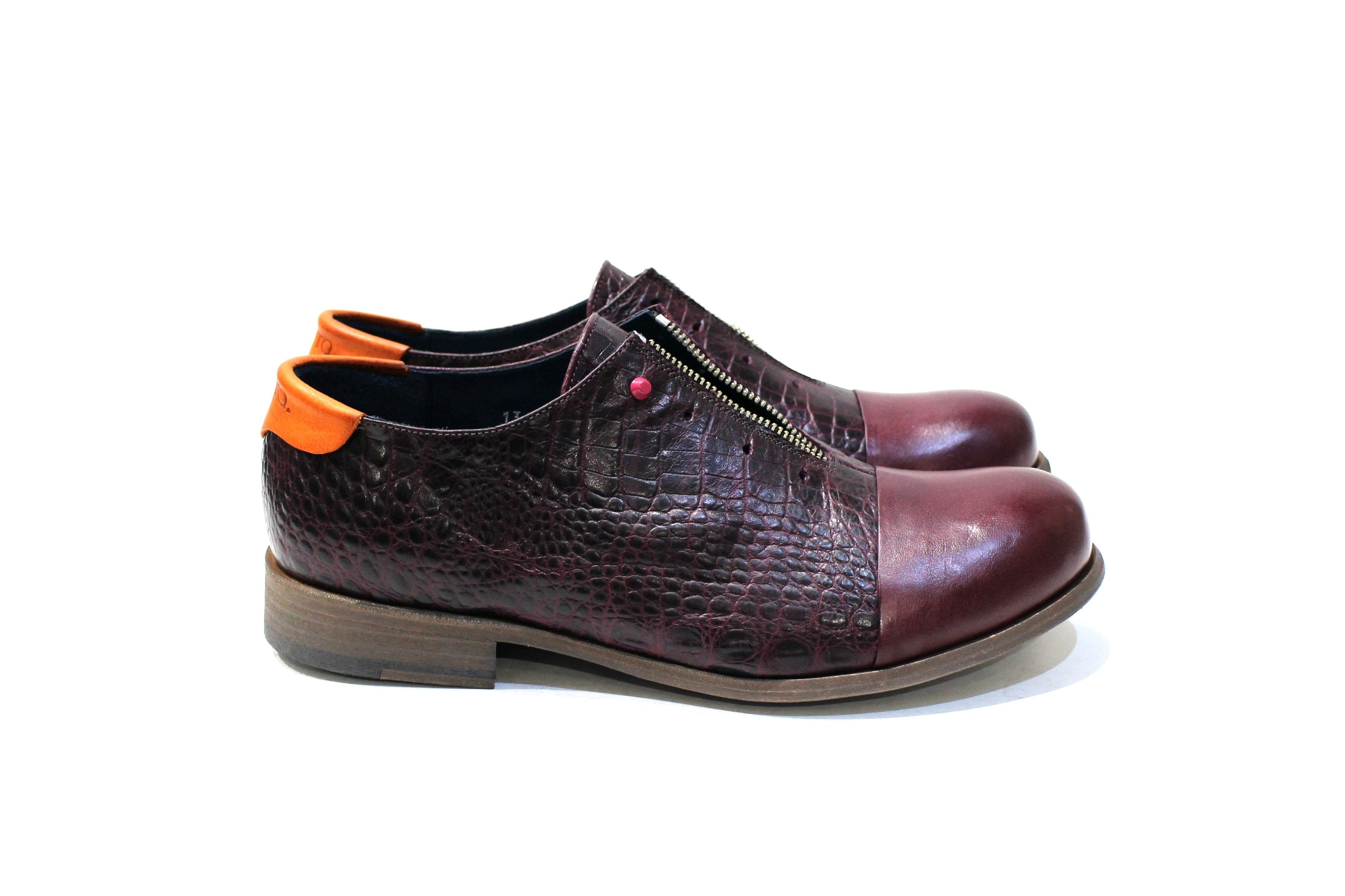 Pisa is a shoe for demanding men with lots of personality, adapting to various styles.