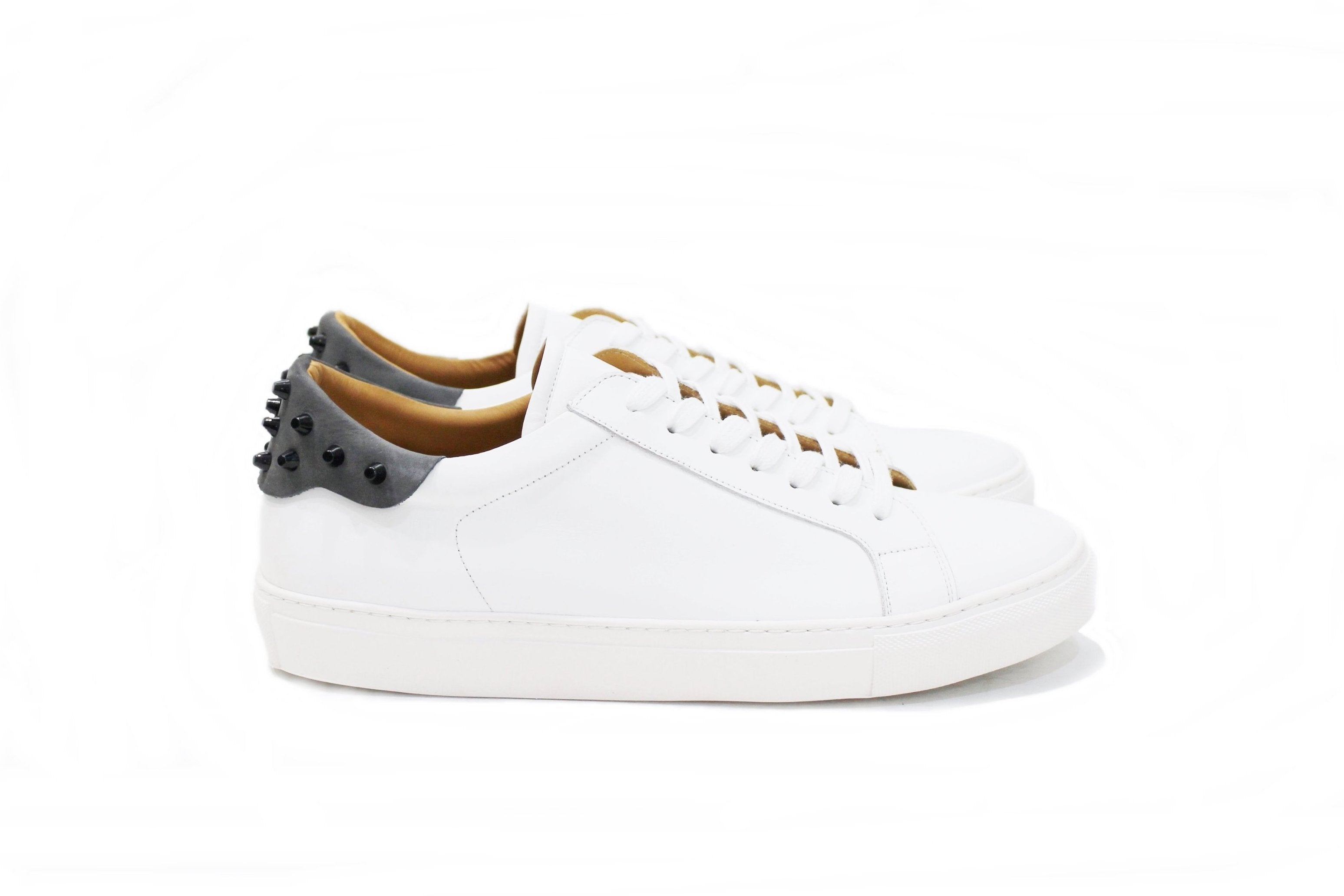 Attribute  gray, sneaker for men with lots of personality, adapting to various styles. Very accommodating. Walk with Pintta