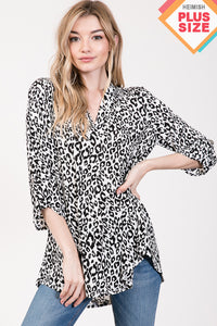 THREE QUARTER ROLL UP SLEEVE V NECK ANIMAL PRINT TOP PLUS SIZE