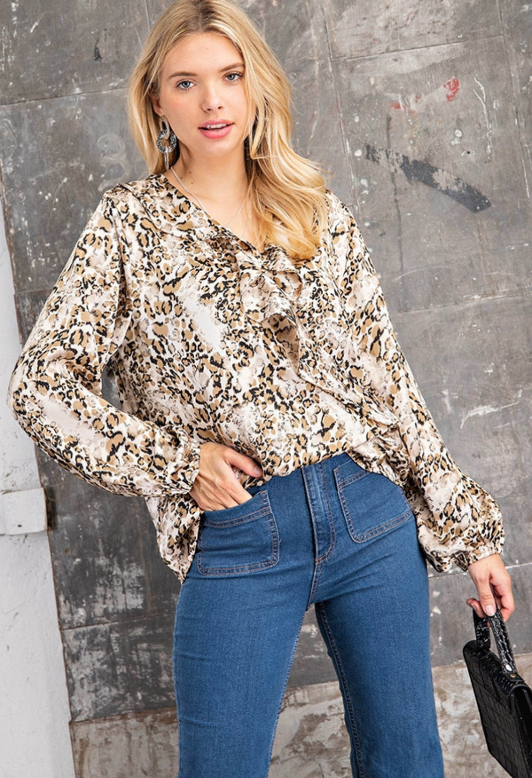 RUFFLED SNAKE PRINNTED TOP
