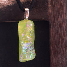Load image into Gallery viewer, Parakeet- Pendant