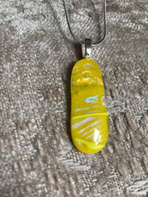 Load image into Gallery viewer, Sunflower - Yellow Pendant