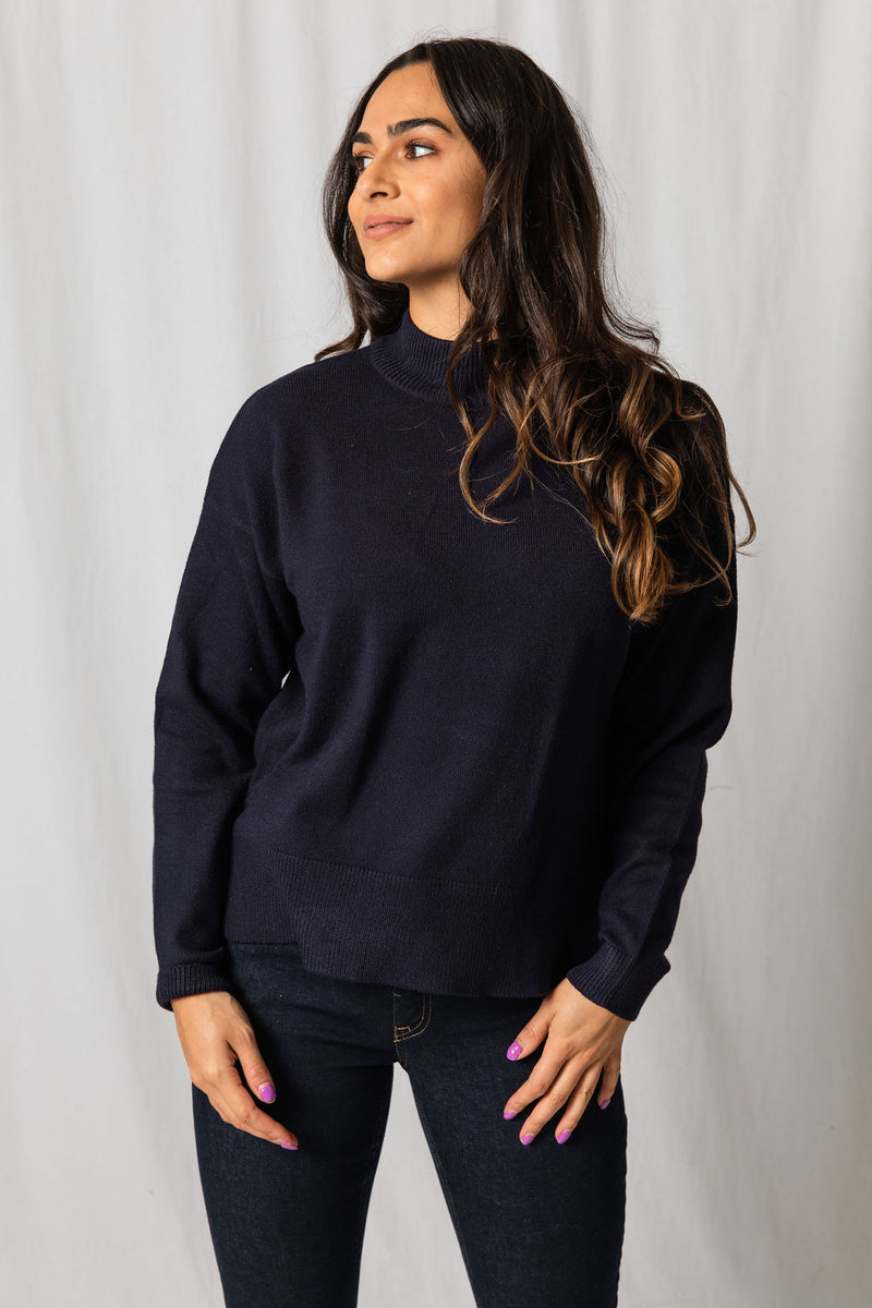 B.Young Navy Turtle Neck