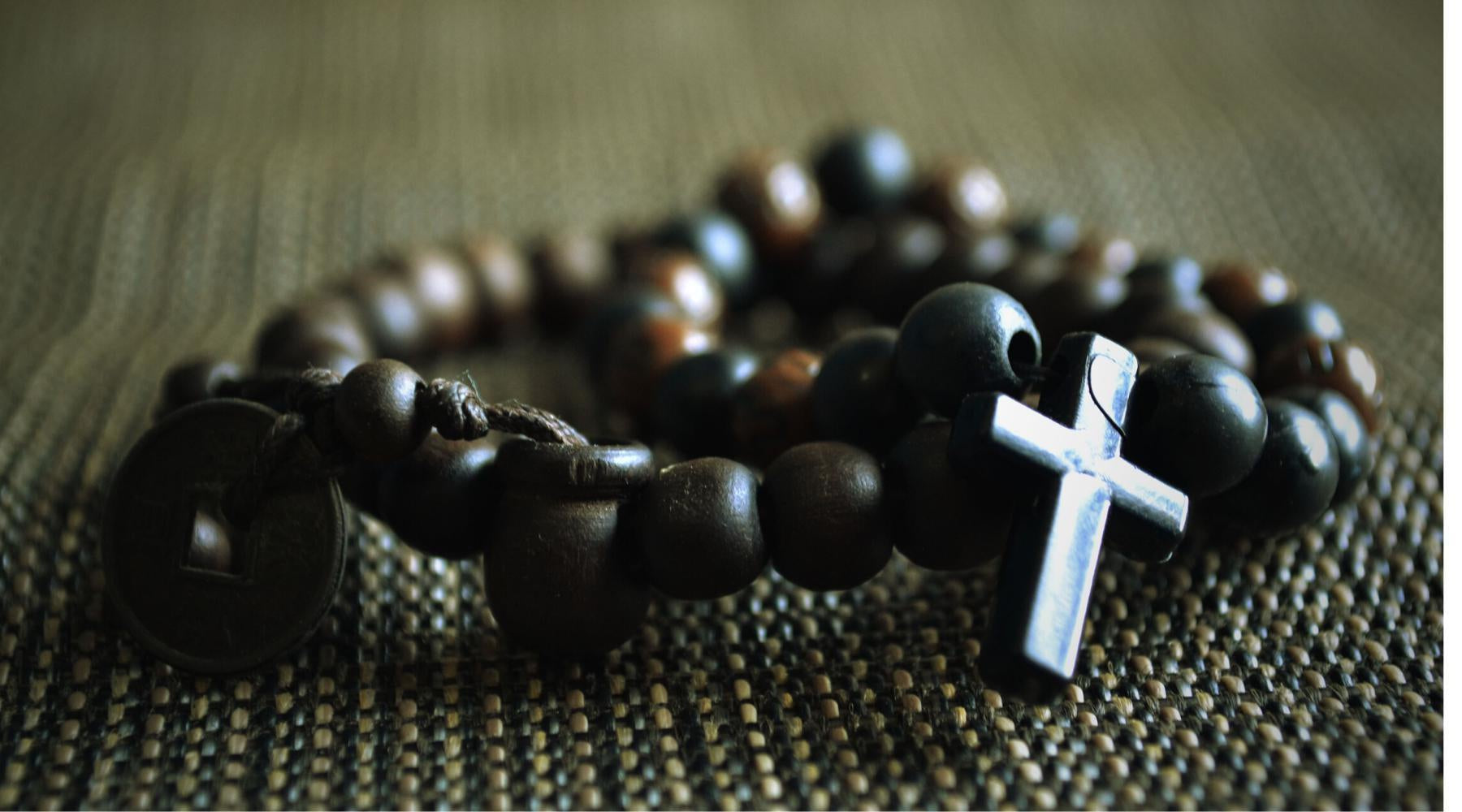 Why do we Pray with Rosary Beads?-Catholically