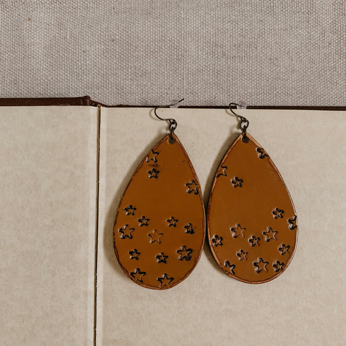Stardust Motel Earring [Tan]