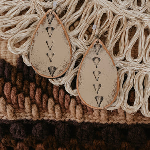 Landry Earrings [Tan]