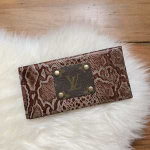 Callen Checkbook Wallet [Snake Embossed]