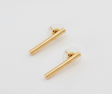 Load image into Gallery viewer, earings, unique, jewelry, accesories, style, elegant, fashion, woman, beautiful, accesorios, aretes, zarcillos, gold, oro, trendy, instagood, instadaily, shippingwoldwide, onlineshopping, dayanamendozashop, shopdayanamendoza