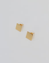 Load image into Gallery viewer, earrings, gold, beautiful, fashion, style, elegant, aretes, oro, unique, accessories, accesorios, jewelry