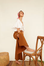 Load image into Gallery viewer, woman, pants, pantalones, camel, new, terracotta, unique, beautiful, style, fashion, trendy, instagood, instadaily, shippinworldwide, onlineshopping, dayanamendozashop, shopdayanamendoza