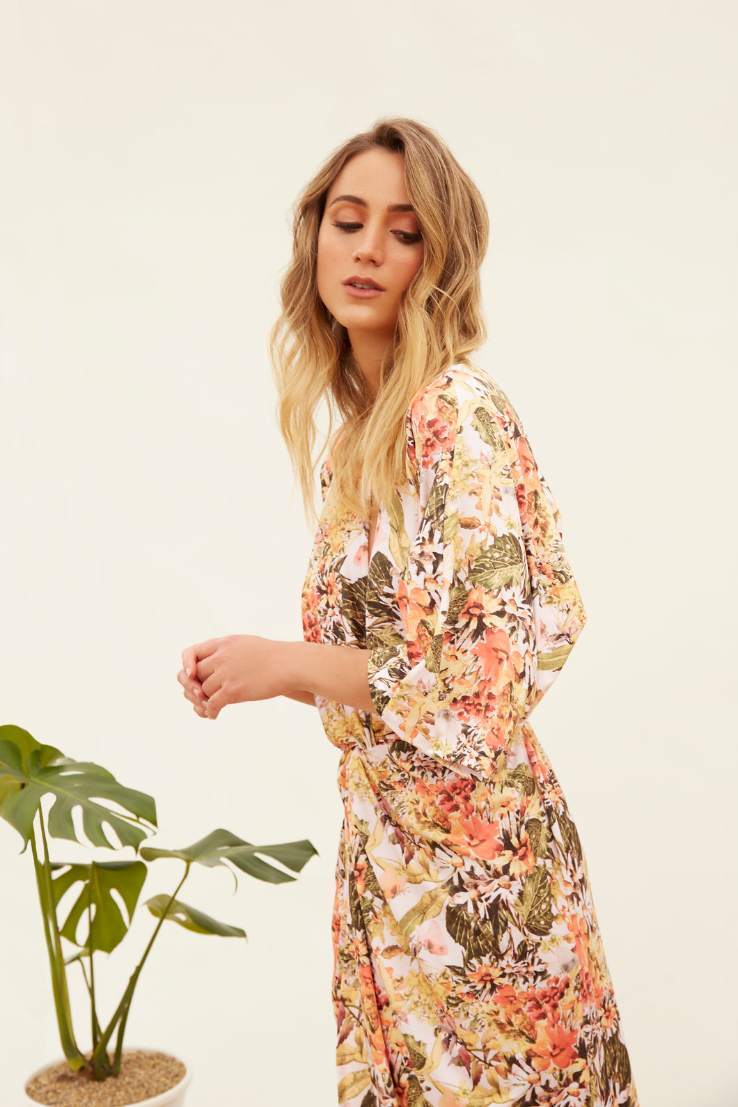 woman, dress, vestido,flowers, flores, new, terracotta, unique, beautiful, style, fashion, trendy, instagood, instadaily, shippinworldwide, onlineshopping, dayanamendozashop, shopdayanamendoza