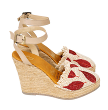 Load image into Gallery viewer, espadrille, sandals, comfortable, woman, colombian, handmade, fashion, beautiful, style, fun, trendy, chick, instagood, instadaily, onlineshopping, shippingworlwide, shopdayanamendoza