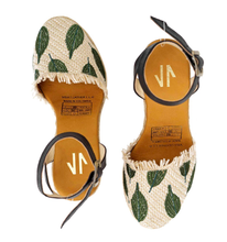 Load image into Gallery viewer, espadrille, sandals, comfortable, woman, colombian, handmade, fashion, beautiful, style, animal print, fun, trendy, chick, instagood, instadaily, onlineshopping, shippingworlwide, shopdayanamendoza