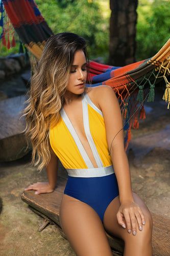swimwear, traje de baño, azul, blue, yllow, amarillo, woman, mujer, sol, sun, beach, playa, summer, verano, style, fashion, beatiful, unique, trendy, instagood, instadaily, shopdayanamendoza, dayanamendozashop, shippingworldwide, onlineshopping