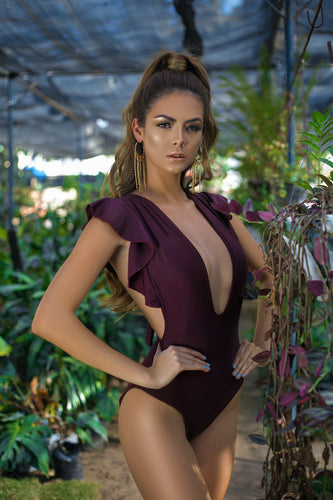 swimwear, traje de baño, woman, sun, sol, summer, verano, beach, playa, red wine, vinotinto, style, fashion, beautiful, instagood, instadaily, shippingwolrdwide, onlineshopping, dayanamendozashop, shopdayanamendoza