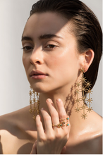 Load image into Gallery viewer, earrings, zarcillos, aretes, sun, sol, gold, oro, accesorios, accessories
