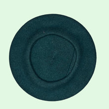 Load image into Gallery viewer, Green wool beret