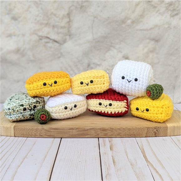 CROCHET PATTERN: Cheese Plate with Olives