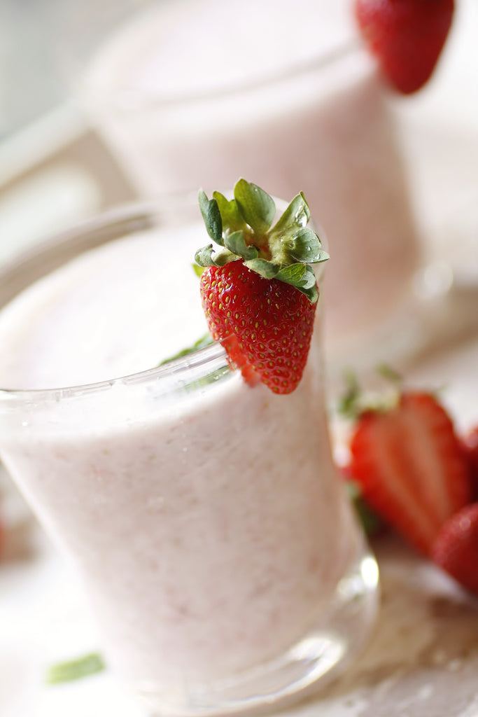 Iced white chocolate with strawberries