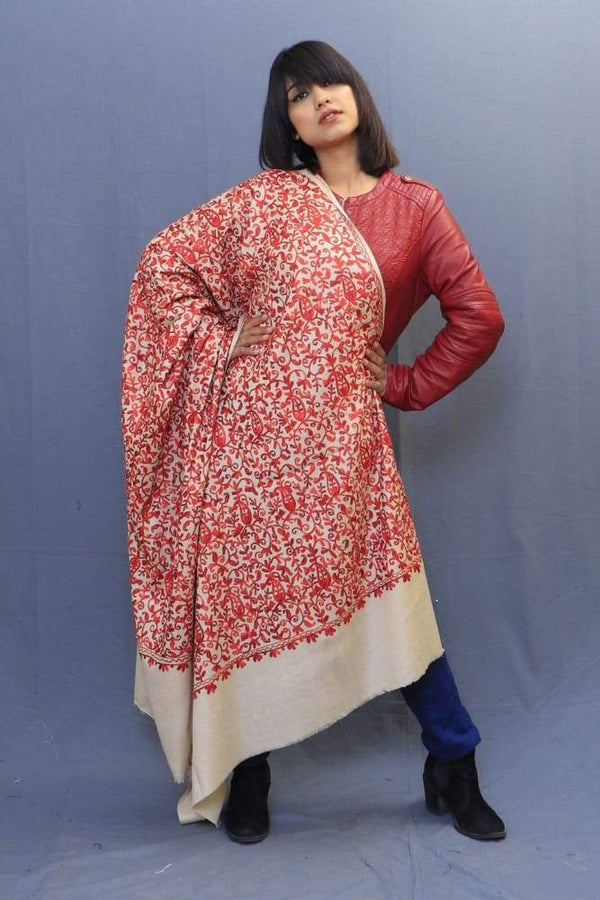 With The Base Of Beige Colour This Red Rich Jaal Gives