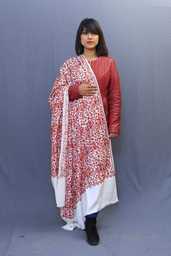 With The Base Of White Colour This Red Rich Jaal Gives