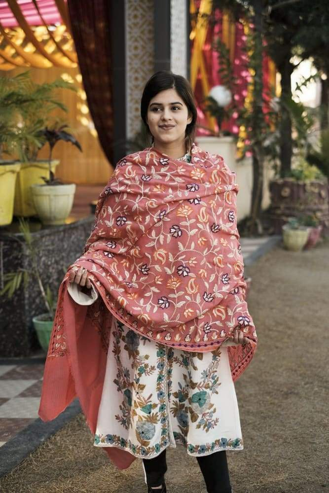 Pink Color Kashmiri Shawl With Aari Jaal Gives A Trendy Look