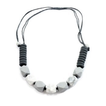 Facetted bead necklace