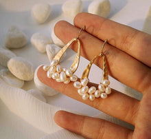 Load image into Gallery viewer, Amalfi Drop Earrings - Oscar & Ivy Bridal