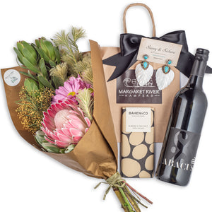 Flower bouquet gift hampers