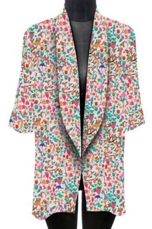 Plus Size Multi Color Floral Print Boyfriend Blazer on a Mannequin