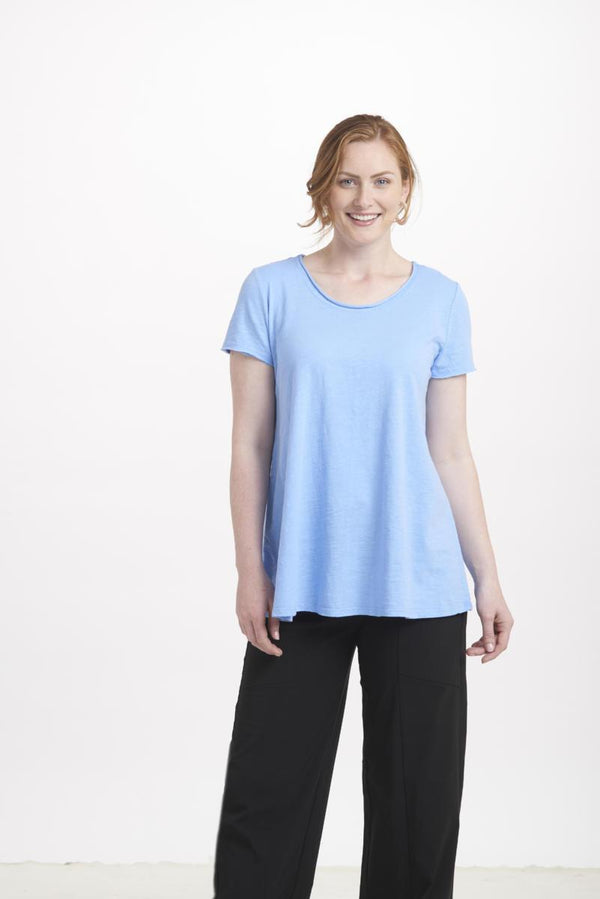 Scoop Neck Swing tee