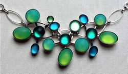 HANDMADE GREEN AND AQUA GLASS NECKLACE