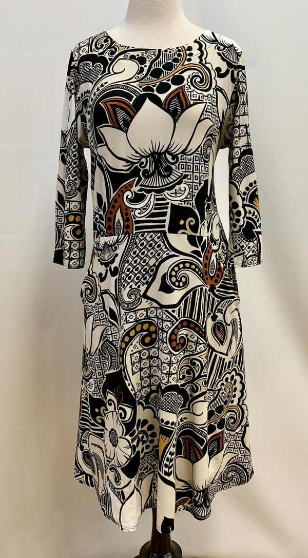 Earth Scroll Pocket Dress