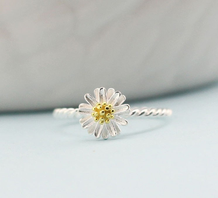 Silver Daisy Flower Ring - Earth Ark Boutique