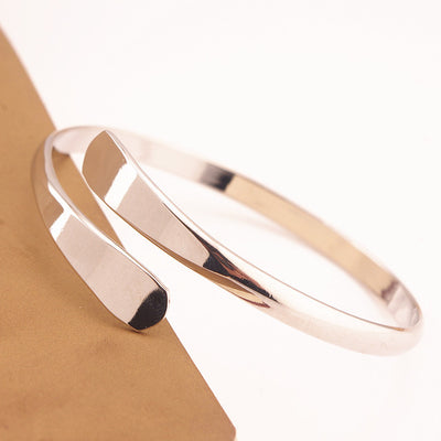 SIMPLE BLISS - HIGH-GRADE OPEN BANGLE
