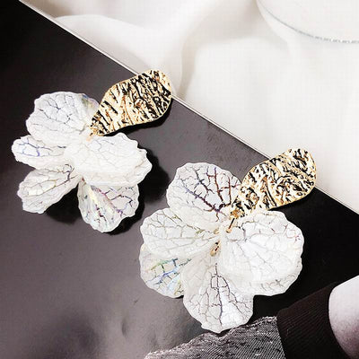 FRAGILE SPLASH - WHITE SHELL FLOWER PETAL DROP EARRINGS