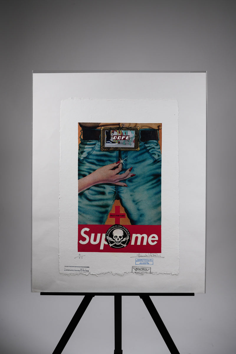 "Supreme ""Pray for Paris"" Print"