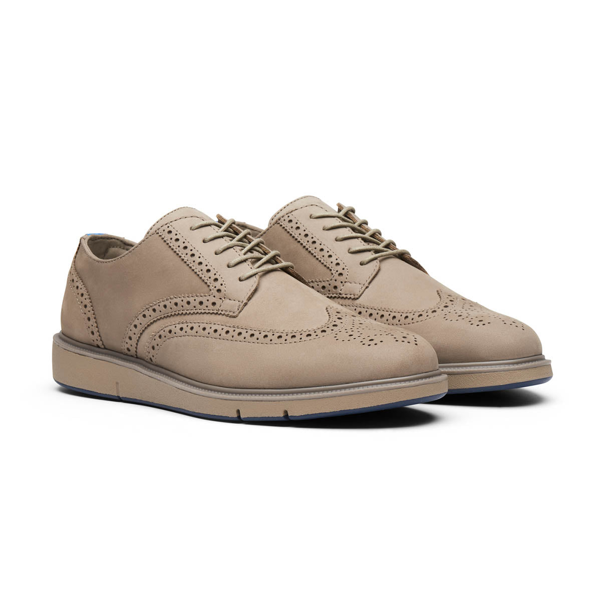 Motion Wing Tip Oxford - background::white,variant::Timber Wolf/Navy