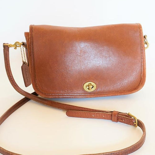 Vintage Coach Classic Penny Pocket British Tan Saddlebag/Cross Body Purse