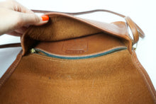 Load image into Gallery viewer, Vintage Coach Classic Dinky Pocket Cross Body Purse, Slim Saddlebag, Classic COACH, Bag Purse, British Tan color designer Purse