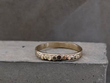 Load image into Gallery viewer, Pebble Wedding Ring | 2.3