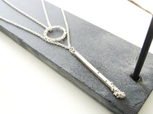 Load image into Gallery viewer, Straight to the point drop pendant | Silver